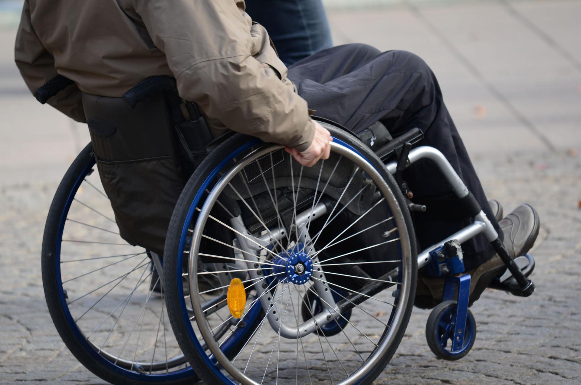 Accompagnement aux personnes handicapées par Famille-Services
